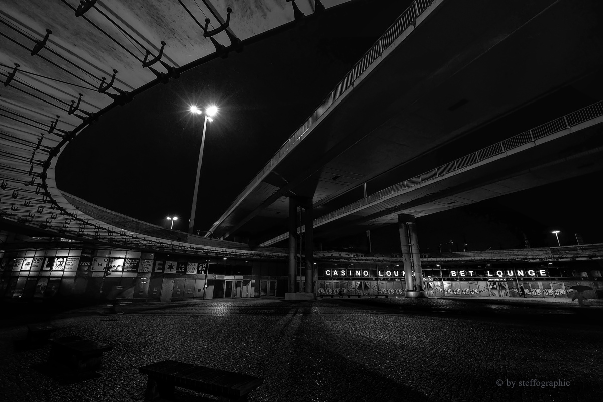 under the bridges_three1920